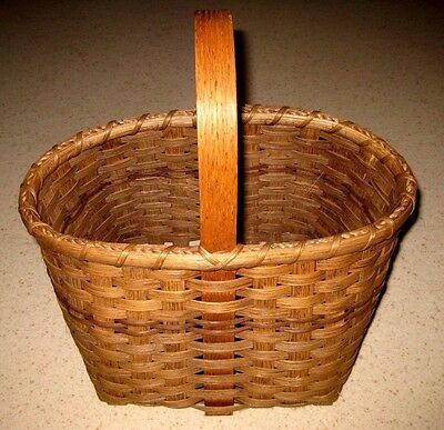 NWT THE REED ONCE WOVEN Hand Woven Egg Basket Wood Handle & Color Design New