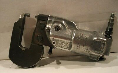 """Chicago Pneumatic CP-214 Tandem A Squeeze with 3"""" Jaws Rivet Squeezer"""
