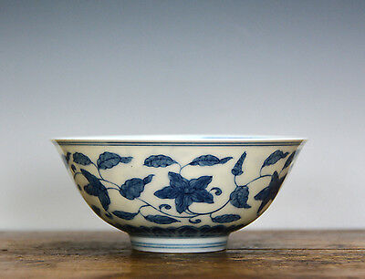 Finely Painted Chinese Ming Chenghua Style Blue and White Flower Porcelain Bowl