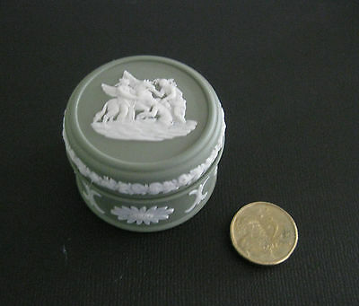 Small Wedgwood Jasperware Trinket Box in Sage Green with White Decoration