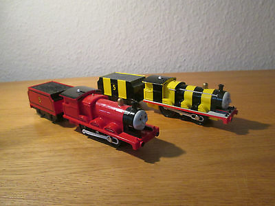 Tomy Trackmaster Thomas & Friends  Busy Bee James & James  Rare