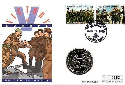 TURKS & CAICOS VE DAY 50th ANNIV. 14-8-95 + MINT UNC T & C 5 CROWNS COIN F6