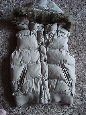 Girls Fat Face Beige Padded Body Warmer/Gilet Detachable Hood 10 - 11 years  VGC