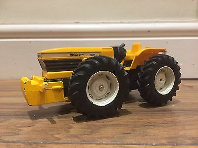 Britains County Tractor 1:32 Scale