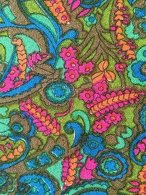 WONDERFUL 1960s/1970s VINTAGE DRESS WEIGHT JERSEY FABRIC. FAB PSYCHEDELIC DESIGN