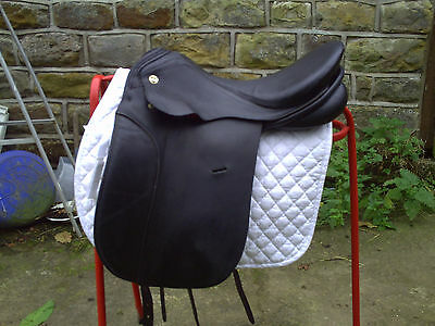 17in KN classical seat black dressage saddle ideal 4 youngster TB +ROR schooling