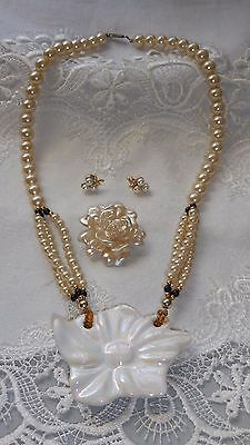 Vintage Jewellery Lot; Pearl & Ceramic Pendant Necklace,Earrings & Lucite Brooch