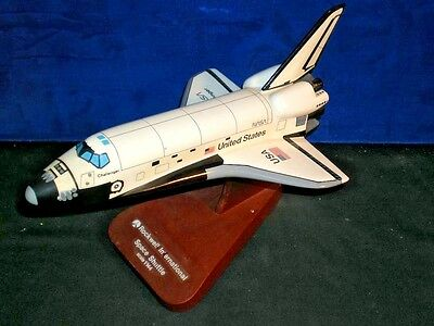 Toys Models Corporation NASA ROCKWELL SPACE SHUTTLE CHALLENGER model 1/144 scale