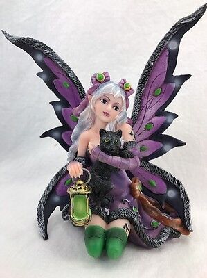 StealStreet SS-G-91408 Purple Fairy Kneeling with Black Cat Collectible Figurine