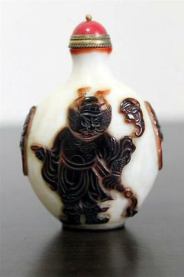 Antique Chinese overlay white Glass Snuff Bottle Late Qing dynasty 19th C. China