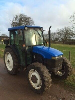 New Holland  TN 75D 4WD 52 plate tractor Ideal small holder / caravan / yard
