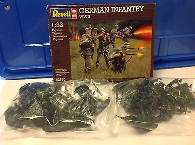 1/32 Revell WWII German Infantry x2 sets and 1 box - soldiers in new condition