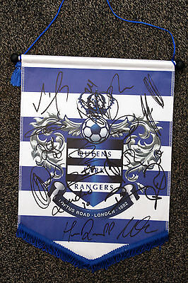 QPR signed pennant 2014/15 - Signed by 18 - QUEENS PARK RANGERS - HARRY REDKNAPP