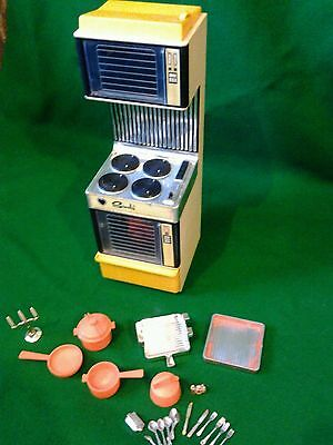 Vintage Sindy Doll Cooker With Sounds & accessories 1980's