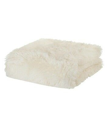 Soft faux fur Cream throw fleece blanket for bed or sofa shaggy and cuddly