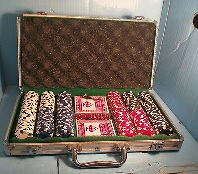 Set of Poker Chips in carry case with keys