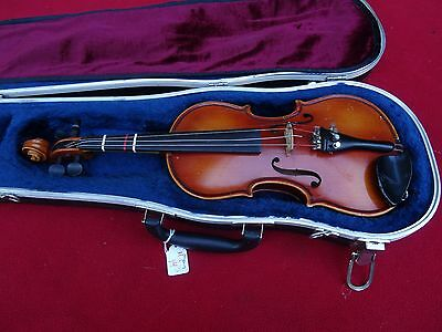 Hungarian 1/4 Size Violin with case NO BOW 17