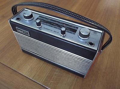 ROBERTS RIC-2  Two Band radio in excellent condition