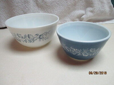 PYREX Colonial Mist Mixing Bowls #s 401 & 402