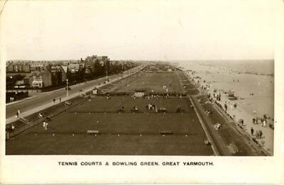 Norfolk - Great Yarmouth - Tennis Courts & Bowling Green - Real Photo 1933.