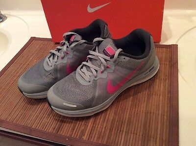 Women's Nike Running Shoes Size 8.5 Sneakers