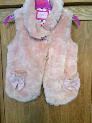 Pretty girls designer Ted Baker gilet in soft faux fur pink age 5-6 lined vgc!