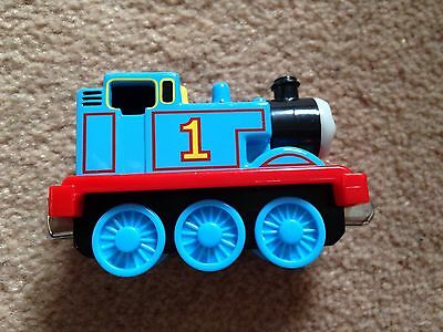 Thomas The Tank Engine And Friends Take And Play Magnetic Die Cast Train Thomas