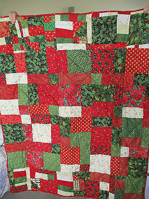 "Homemade machine pieced and quilted Christmas quilt  42"" X 51""  new"