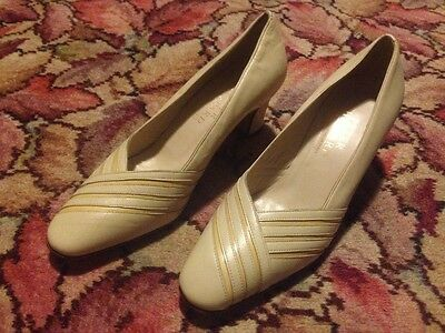 Vintage Women's Shoes: Peter Sheppard. Made  in Italy.