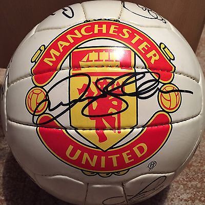 Manchester United 1998/99 Squad - Signed Ball
