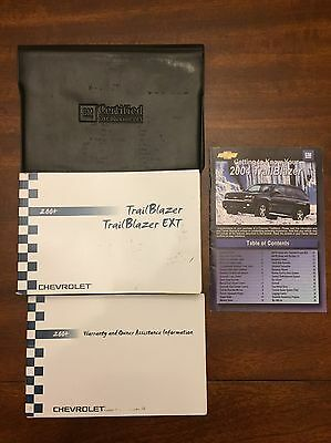 2004 Chevy Trailblazer Owners Manual Set And Case FAST FREE SHIPPING