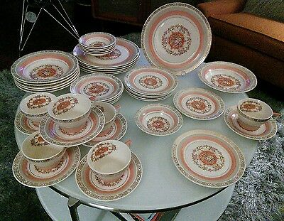 """Triumph Limoges USA """"Prince Charles"""" Coral Gold (42) Pieces Service 6 As Found"""