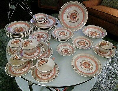 """Triumph Limoges USA """"Prince Charles"""" Coral Gold (42) Pieces Service 6 Deco Chic"""