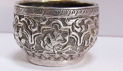 VERY FINE ANTIQUE BURMESE or INDIAN SOLID SILVER REPOUSSE BOWL