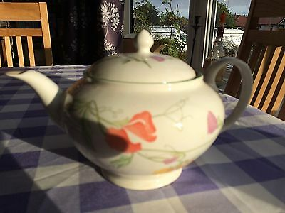 Teapot with Sweet Pea Design