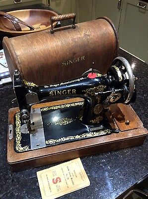 Lovely Vintage Handcranked Singer Sewing Machine 1912