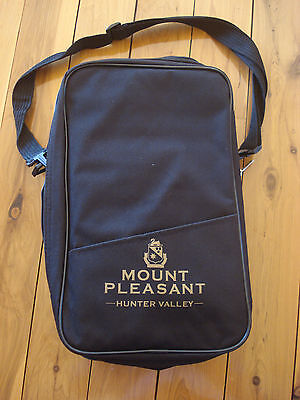 Mount Pleasant wine bag / cooler bag / carry case with insulated section - NEW