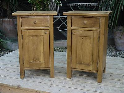 Gorgeous Matching Pair Old Antique Pine Bedside Cabinets/lamp Tables/cupboards