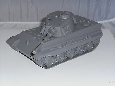BMC Toys BMC49999 1/32 Play Ready German King Tiger Tank in Grey Tank Only