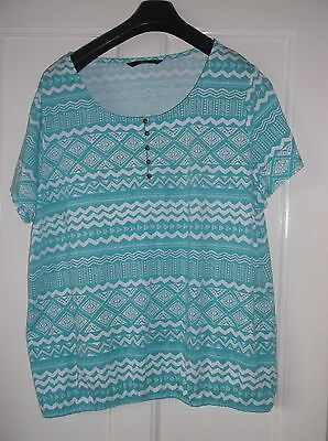 ladies lovely green & white BONMARCHE top, lovely condition, size 24