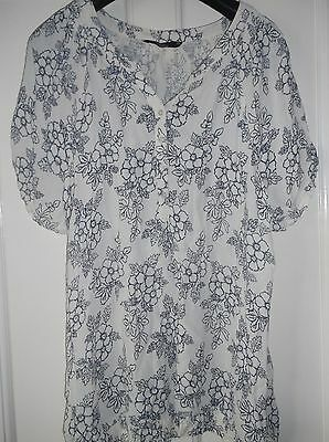 ladies lovely blue & ceam flowered BONMARCHE top, lovely condition, size 24