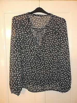ladies lovely patterned navy M&S Women blouse/top, lovely condition, size 24