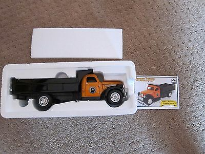 1941 Chevy Dump Truck 1/32 scale Die Cast The National Motor Museum Mint