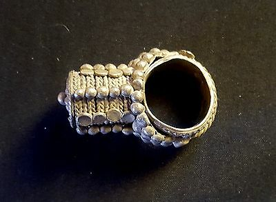 Yemen - Rare old ring tower with metal alloy