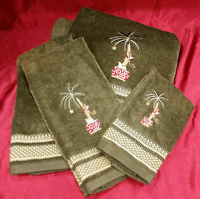 CHRISTMAS HOLIDAY TOWEL 5 pc Set 2 Bath  2 Hand & 1 Finger DARK GREEN w/ GOLD