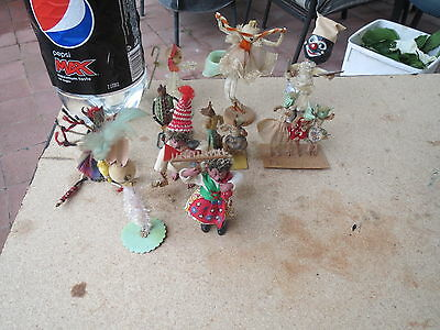 Here is a group of vintage decorations/ornaments. Made of pipe cleaner,
