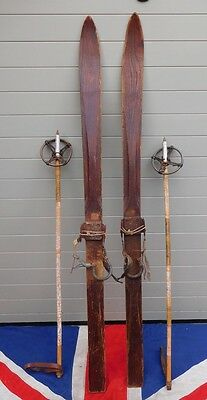 SMALL PRIMATIVE ANTIQUE VINTAGE SKIS AND POLES 141 cm