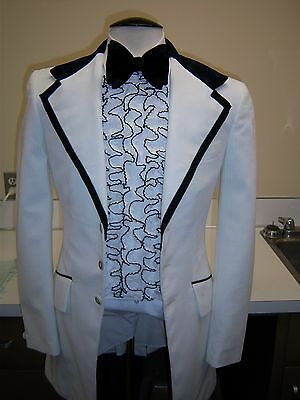 Vintage White Prince Edward Tuxedo Jacket -70's style - 36L - Black Velvet Trim