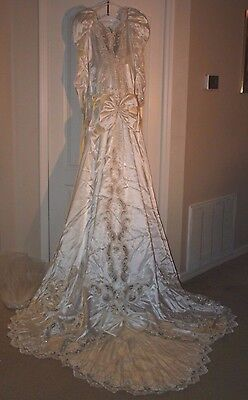 Vintage 1990s Beaded Wedding Bridal Gown Dress & Veil Beautiful Lace Size 12