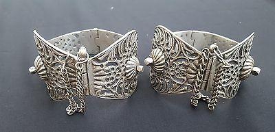 Morocco - Heavy silver hinged anklet (Khalkhal), openwork with arabesque decorat